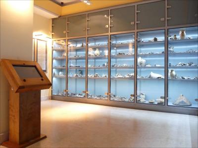 Múzeumi állványok