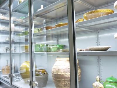 Múzeumi vitrines állványok látványtároláshoz